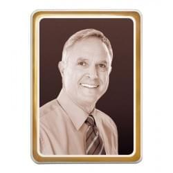 Prostokątna fotografia nagrobkowa w sepii ze złotym paskiem